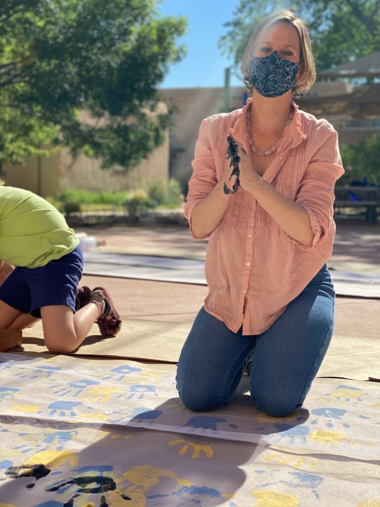 Escuela Students Lend a Hand to Harwood Artist